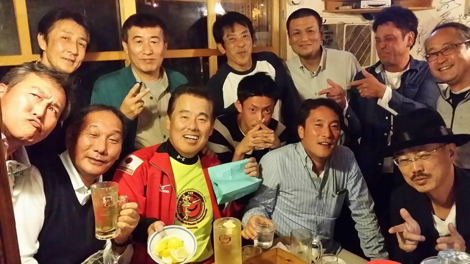 奥村監督、コーチの皆さん、ユースメンバーに向かって高知より乾杯~!_c0186691_10553912.jpg