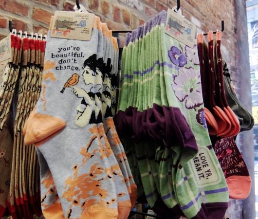伝統的なアメリカのレトロなデザインの靴下や雑貨のブランド、ブルーQ(Blue Q)_b0007805_4162324.jpg