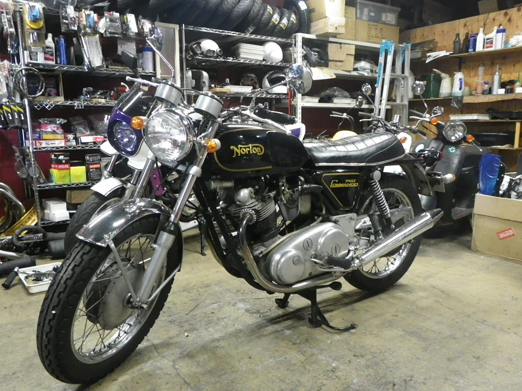 Norton Commando 750_e0325011_1075237.jpg