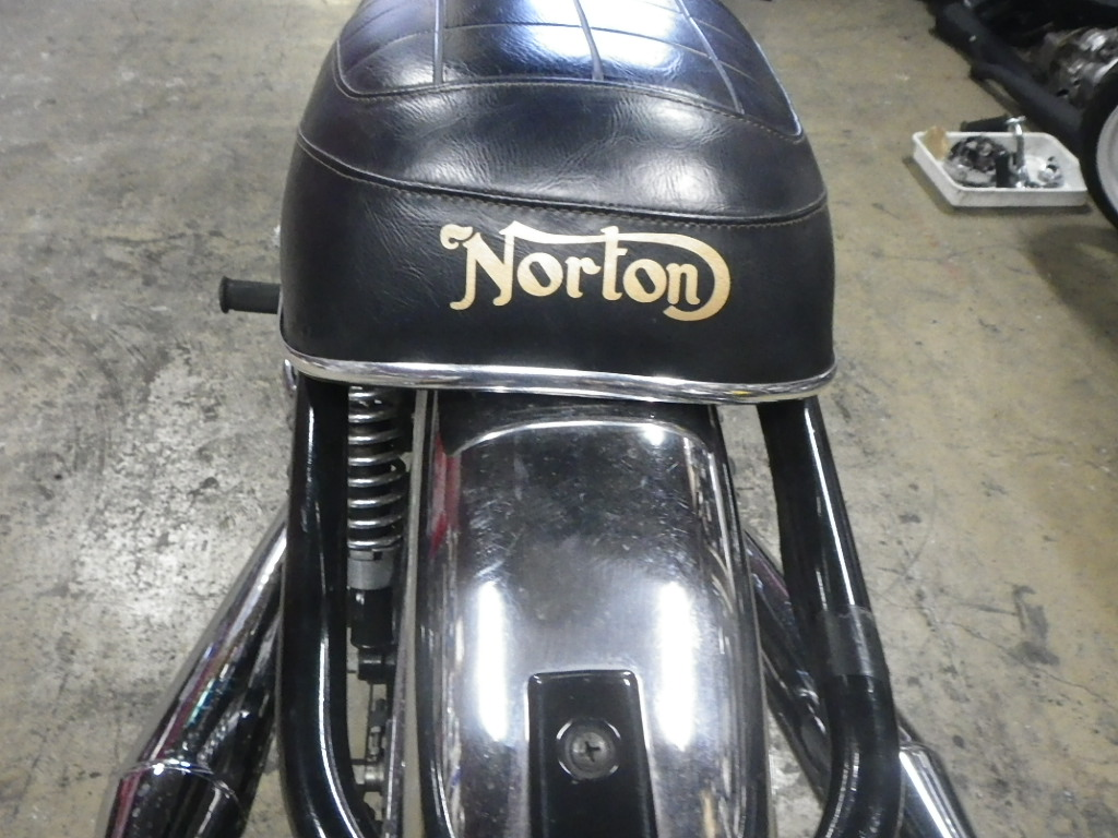 Norton Commando 750_e0325011_1081548.jpg