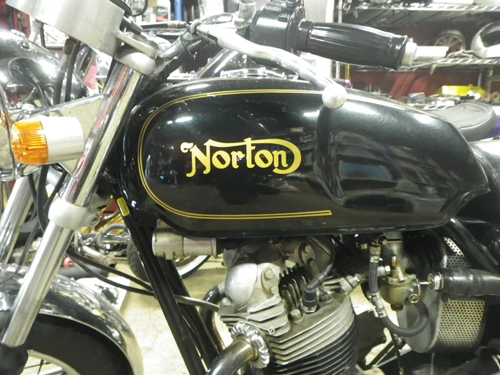 Norton Commando 750_e0325011_108996.jpg