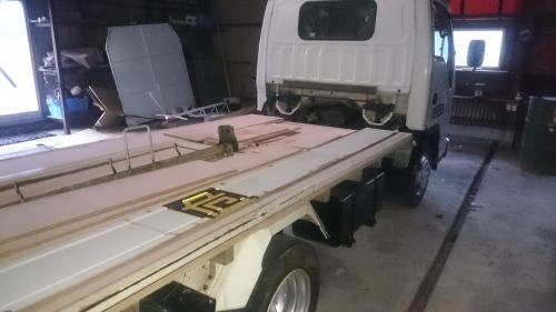 トラックの修理だす。_f0358212_18061316.jpg
