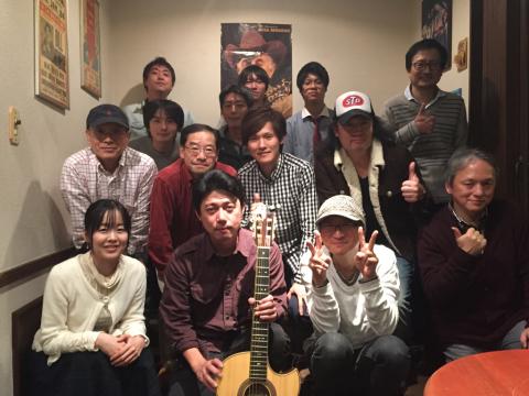 色々なスタイルのソロギターリストの名演!!_d0225380_11245920.jpg
