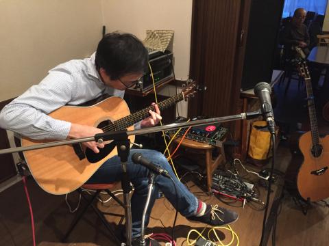 色々なスタイルのソロギターリストの名演!!_d0225380_11250041.jpg
