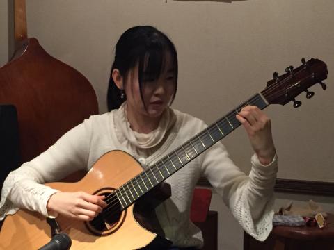 色々なスタイルのソロギターリストの名演!!_d0225380_11250114.jpg