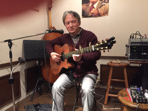 色々なスタイルのソロギターリストの名演!!_d0225380_11250146.jpg