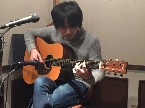 色々なスタイルのソロギターリストの名演!!_d0225380_12372877.jpg