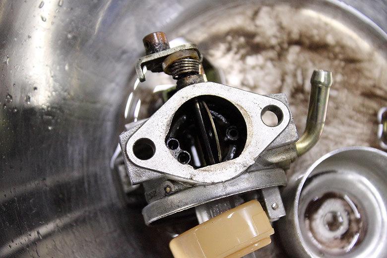 ガソリン漏れは危険です!_e0126901_17170881.jpg