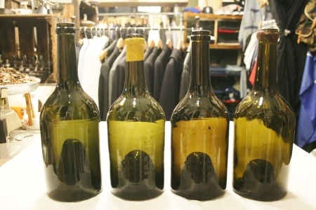 2015 OCT ヨーロッパ後記21(入荷 19世紀ワインボトル、ソーダボトル、ビン)_f0180307_03053030.jpg