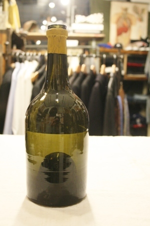 2015 OCT ヨーロッパ後記21(入荷 19世紀ワインボトル、ソーダボトル、ビン)_f0180307_03055858.jpg