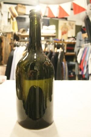 2015 OCT ヨーロッパ後記21(入荷 19世紀ワインボトル、ソーダボトル、ビン)_f0180307_03060596.jpg