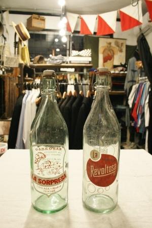 2015 OCT ヨーロッパ後記21(入荷 19世紀ワインボトル、ソーダボトル、ビン)_f0180307_03065792.jpg