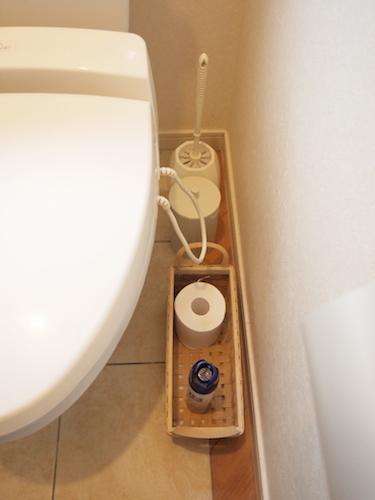 トイレの床に物を置かない!_a0335560_10135268.jpg