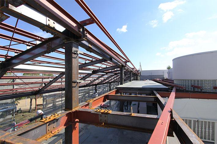 K幼稚園の増築工事が上棟しました。_a0212380_1131266.jpg