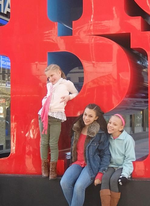 NYの街角には、希望(HOPE)と愛(LOVE)がある_b0007805_0382551.jpg