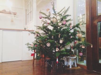 クリスマスツリー_d0280229_15500515.jpeg