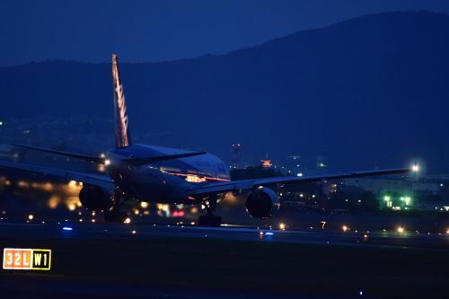 伊丹空港_d0285540_18374611.jpg