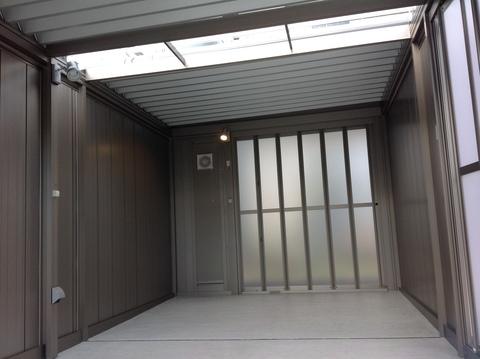 LIXILガレージ「スタイルコート」 完成です。_e0128446_16461039.jpg