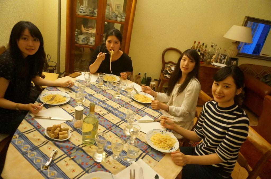 (続)お嬢さんたちと、さーて何を食おうかな?_c0180686_18351536.jpg