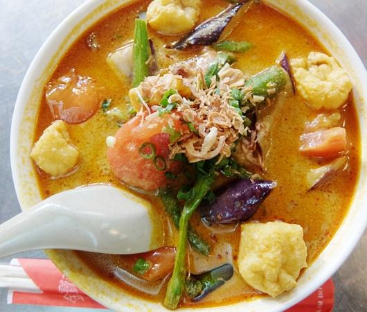 安くて美味しい!!! アジアン・スパイシー・カレー(Asian Spicy Curry)の野菜カレー・ヌードル_b0007805_10213353.jpg