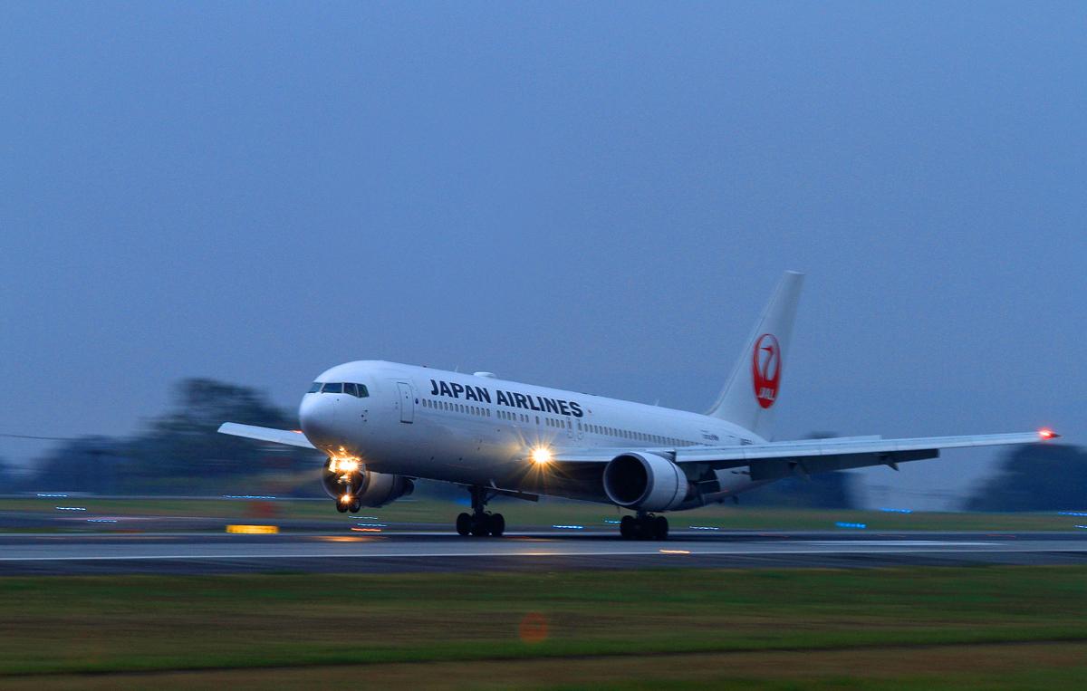 ASO kumamoto AIRPORT IN  BLUE。_b0044115_8224414.jpg