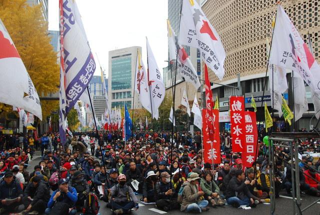11・14韓国民主労総全国大会~民衆総蜂起へ(写真続報)_d0155415_2322329.jpg