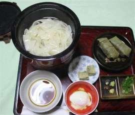 「うどん」のルーツは奈良に…「はくたくうどん」、春日大社「桂昌殿」で提供 _b0064113_1643569.jpg