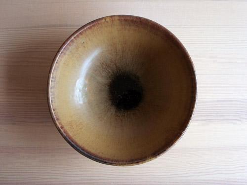 深田容子さんのあめ釉と黒鉄釉のうつわ。_a0026127_16495654.jpg