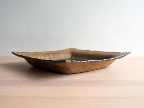 深田容子さんのあめ釉と黒鉄釉のうつわ。_a0026127_17123766.jpg
