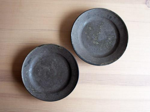 深田容子さんのあめ釉と黒鉄釉のうつわ。_a0026127_1716273.jpg