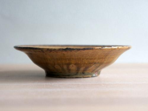 深田容子さんのあめ釉と黒鉄釉のうつわ。_a0026127_1755531.jpg