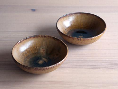 深田容子さんのあめ釉と黒鉄釉のうつわ。_a0026127_176239.jpg