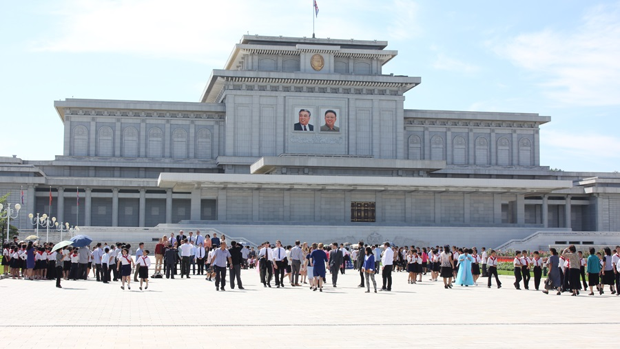 今日は特別な日☆北朝鮮ツアー2015_e0182138_1518185.jpg