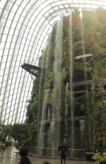シンガポール旅行記 ①バイ・ザ・ベイとプラナカン_e0212073_16373172.jpg