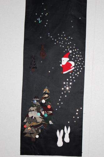 クリスマスのタペストリー_a0125981_18162709.jpg