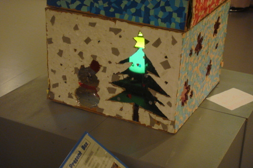 Present Box_e0226943_23264361.jpg