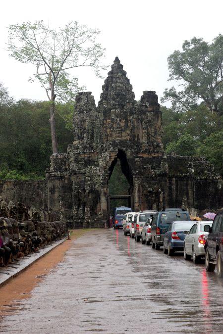 男の一人旅 ~カンボジア アンコール・トム~_d0145934_1733874.jpg