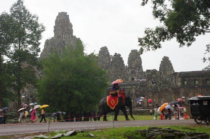 男の一人旅 ~カンボジア アンコール・トム~_d0145934_1735517.jpg
