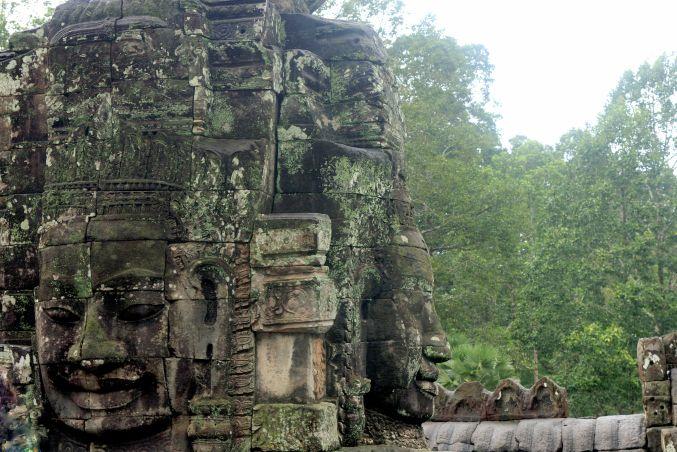 男の一人旅 ~カンボジア アンコール・トム~_d0145934_1775713.jpg