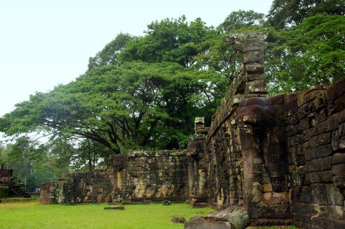 男の一人旅 ~カンボジア アンコール・トム~_d0145934_1784096.jpg