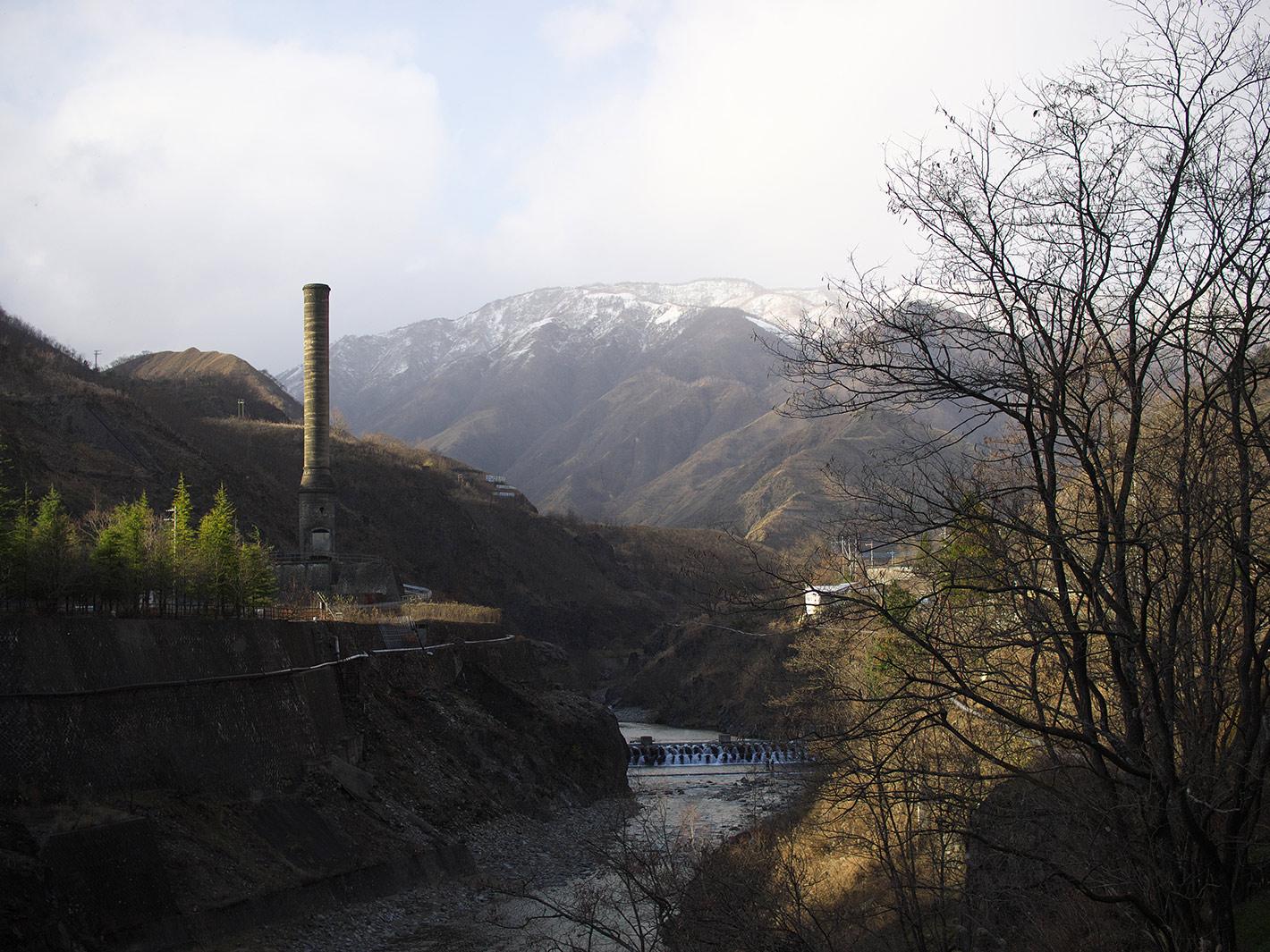 煙突のある風景_f0121181_1372198.jpg