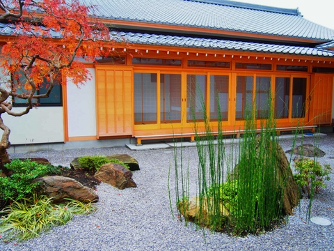 色も深まる秋のお庭_b0172896_10243698.jpg