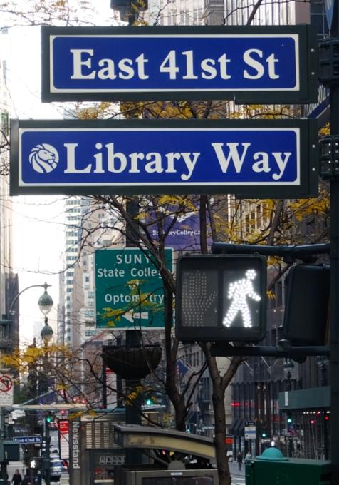 歴史上の名言が埋められた道、ライブラリー・ウェイ(Library Way)_b0007805_19563392.jpg