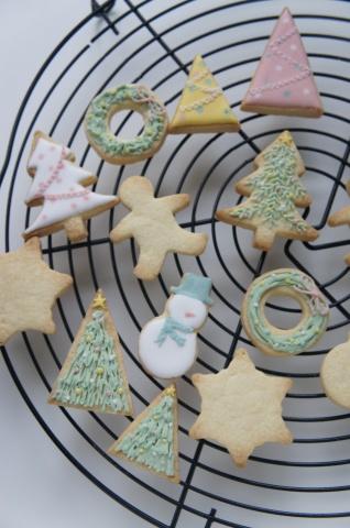 クッキーもクリスマスモチーフに_b0345432_17425134.jpg