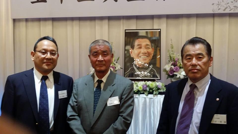 上甲正典監督を偲ぶ会が、松山国際ホテルで親しい人230人でしめやかに行われました。_c0186691_2324281.jpg
