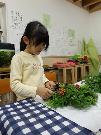 世界で一つのクリスマスリースできました☆_a0239665_1253192.jpg