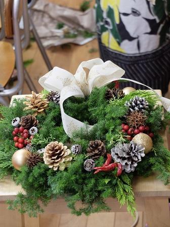 世界で一つのクリスマスリースできました☆_a0239665_1292491.jpg
