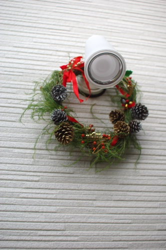 庭と畑の自然素材で、クリスマスリースを作る。_c0110869_6553739.jpg