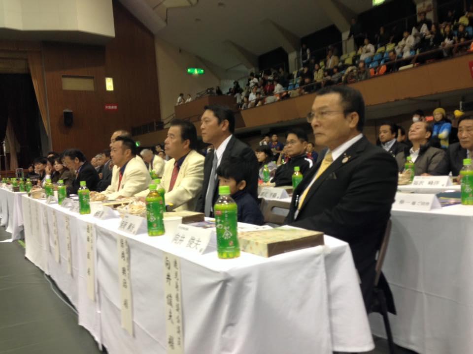 新保支部長主催の「第4回鹿児島県大会」が、満員の鹿児島県体育館で開催され、大成功に終わりました。_c0186691_11351575.jpg