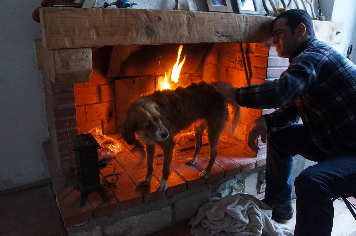 暖炉の季節です_f0106597_01582466.jpg